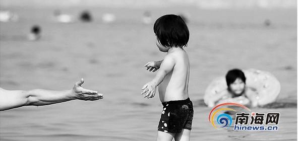 海边长大的孩子多数是旱鸭子 游泳课不受重视